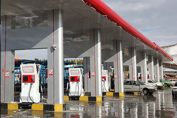 پمپ بنزینها تعطیل نیستند/ تکذیب خبر تعطیلی جایگاههای سوخت در کشور