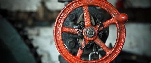 صادرات نفت آمریکا در ماه فوریه به زیر 3 میلیون بشکه رسید