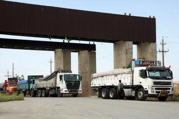 وزیر دارایی عراق بر بازگشایی مرزهای  گمرکی دو کشور تاکید کرد