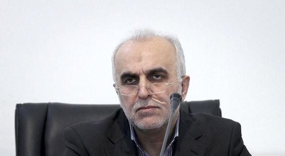عضو هیئت رئیسه مجلس: پاسخهای وزیر اقتصاد درباره وضعیت بورس قانع کننده نبود