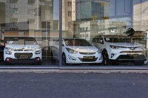 واردات خارجی ۱۰ تا ۱۲ هزار دلاری می تواند رقیبی برای خودروهای داخلی باشد