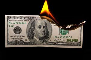کاهش 40 درصدی ارزش دلار در برابر یورو