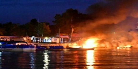 سه فروند قایق درعسلویه آتش گرفتند
