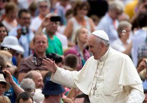 خوان گوآیدو از پاپ فرانسیس خواست با وی همکاری کند
