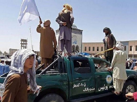 ورود طالبان به کابل/ اخباری از فرار رئیس پارلمان و رهبران احزاب سیاسی به پاکستان