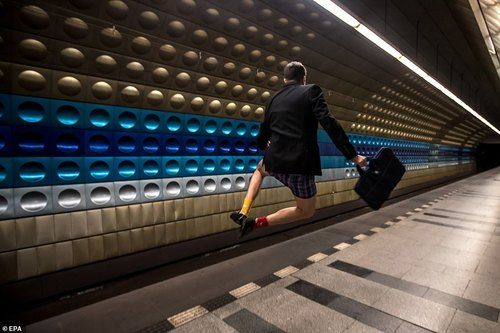 تصاویری از روز جهانی بدون شلوار در متروهای جهان + تصاویر